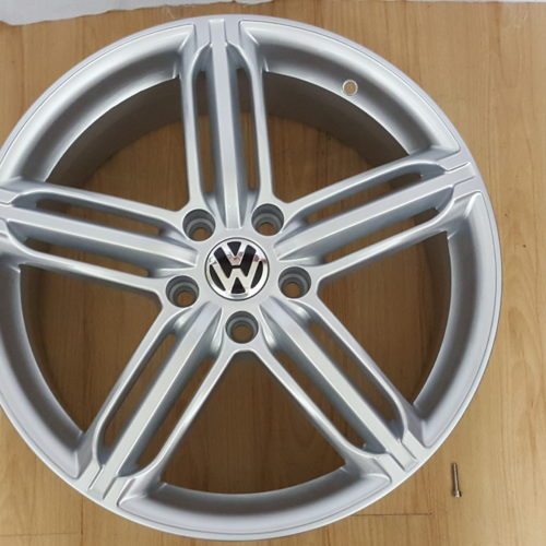 GOLF 567. VW CADDY. AUDI FITMENT. 18×8J ET45 5112PCD HYPER SILVER